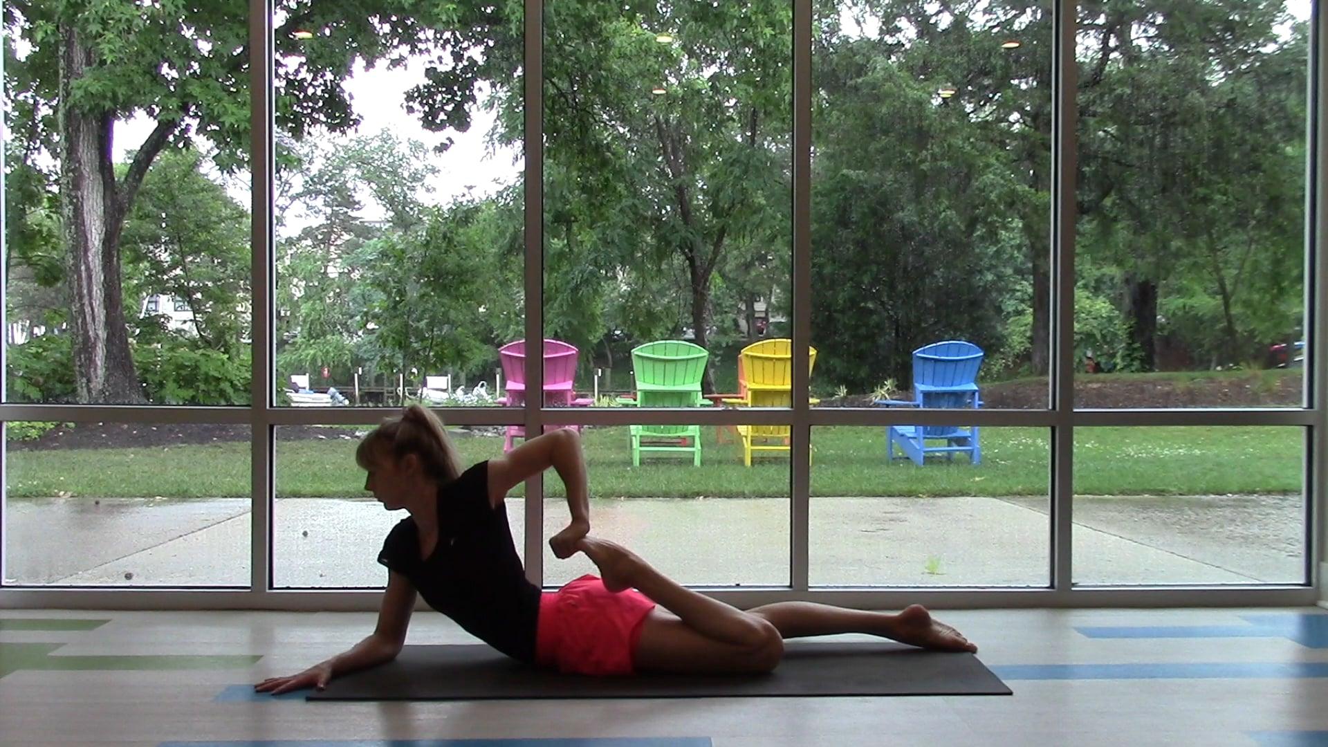 Kuckós jóga borongós, esős, rosszkedvű napra  – 25 perc – Vimeo thumbnail