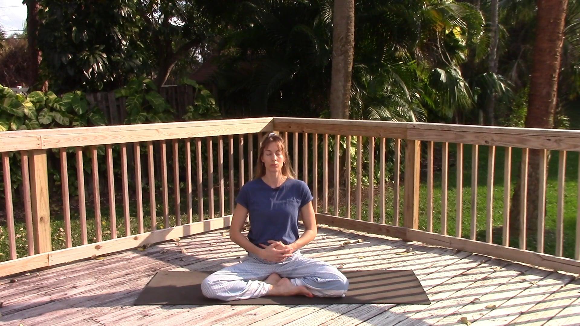 Gyengéd jóga menstruációs fájdalom enyhítésére - 20 perc